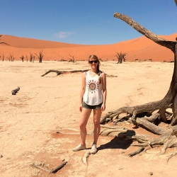 Daniela Ferschke im Sossusvlei, Namibia