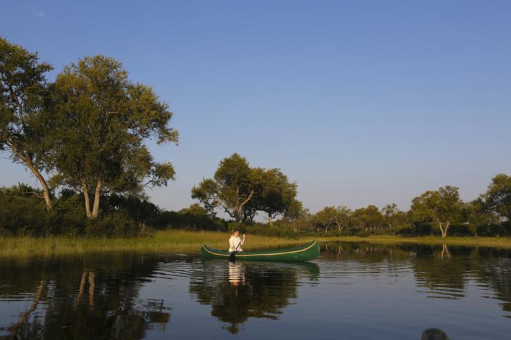 Kanufahrt in der Nähe des Selinda Explorer Camps