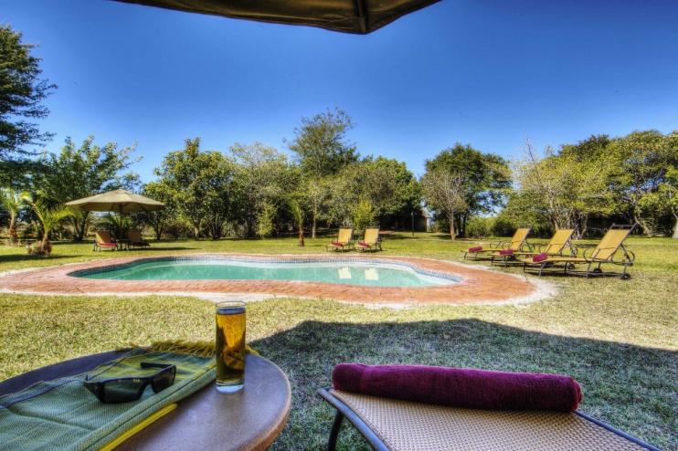 Chobe Savanna Lodge: Pool