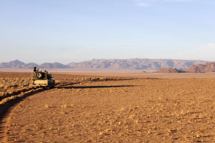 Landschaft Namib mit Auto