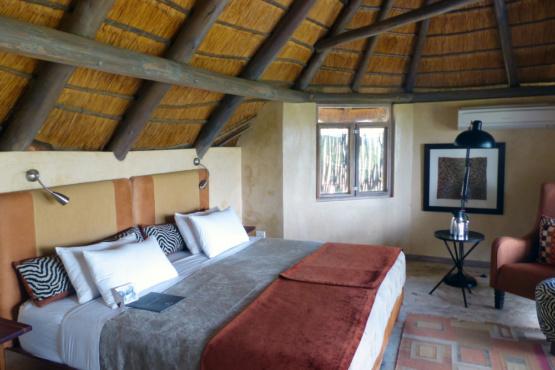 Die Ongava Lodge bietet sehr geräumige frei stehende Häuser mit viel Platz.