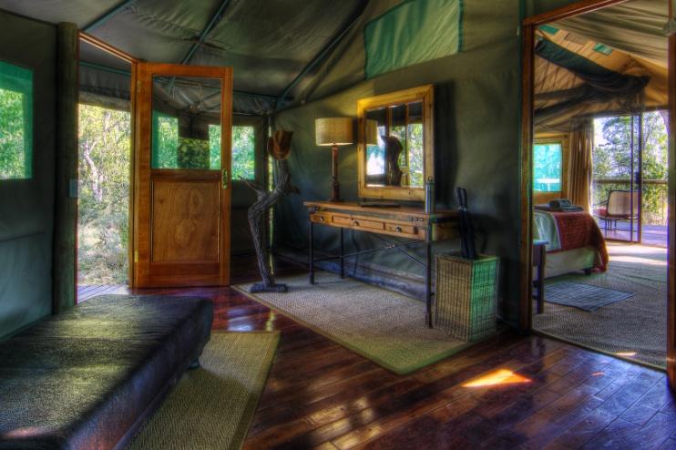 Camp Moremi: Eingangsbereich Zimmer