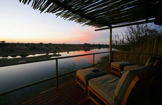 Leroo La Tau: Sunrise Deck