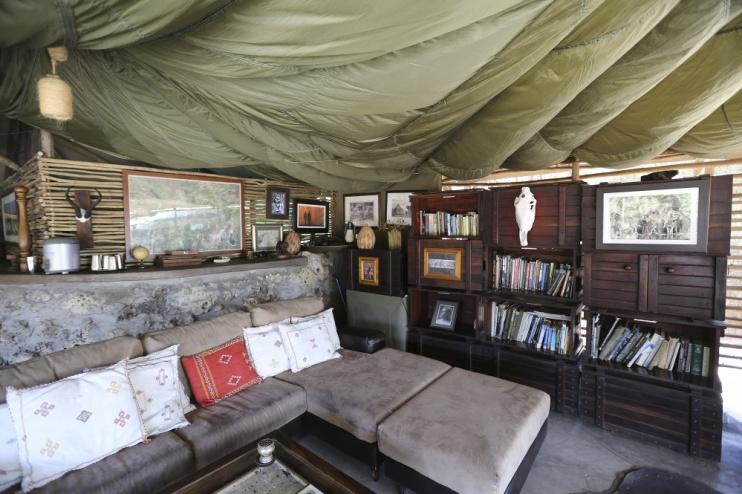 Urige Zelteinrichtung des Meno a Kwena Camps