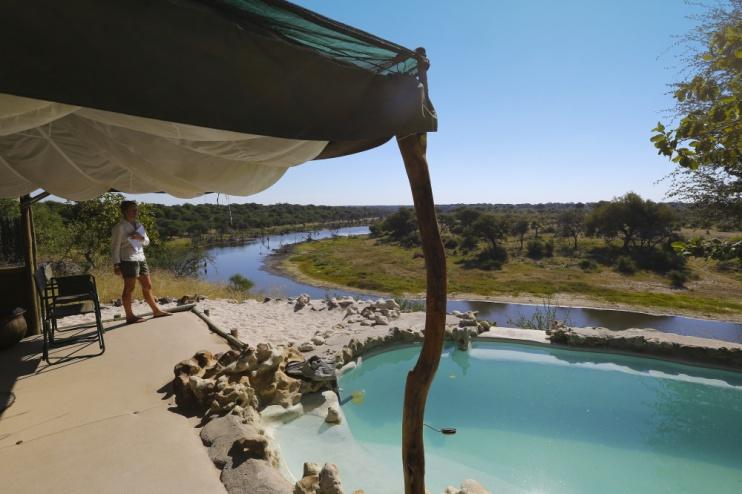 Aussicht und Pool vom Meno a Kwena Camp