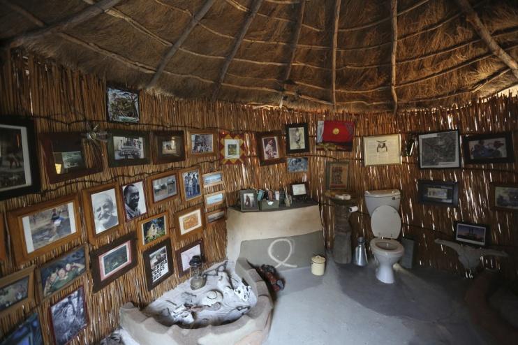 Urige Einrichtung im Meno a Kwena Camp