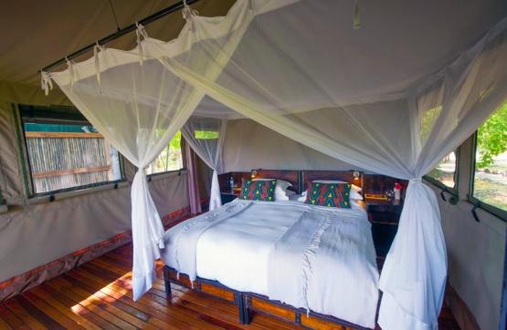 Sango Safari Camp, Zimmer mit Doppelbett