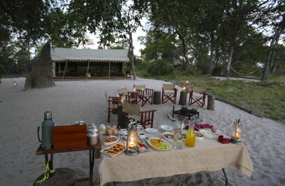 Dinner im Selinda Explorer Camp