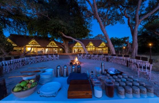 Splash Camp, Kwando, Frühstücksbuffet