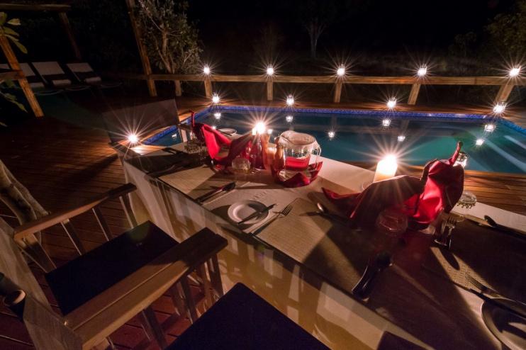 Splash Camp, Kwando, priv. Abendessen am Pool