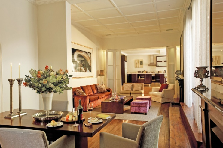 Private Lounge, Cape Cadogan