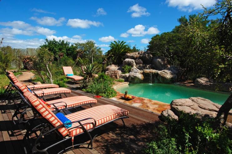 Der Pool von der Kariega Ukhozi Lodge