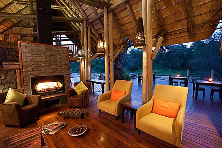 Rhino Post Safari Lodge, Lobby