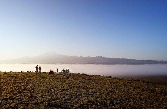 Sundowner im Tortilis Camp Amboseli