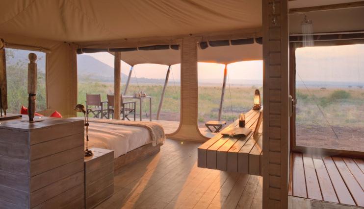 Zelt von Innen im Kichwa Tembo Tented Camp