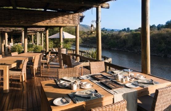 Frühstück im Olonana Camp Mit Blick auf den Mara River