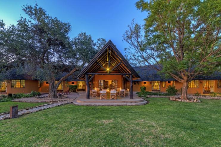 Kambaku Lodge
