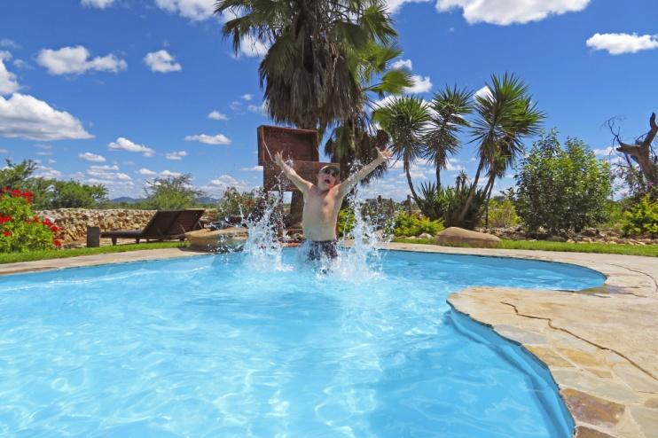 Kambaku Lodge Pool