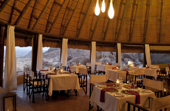 Mowani Camp: Dinner