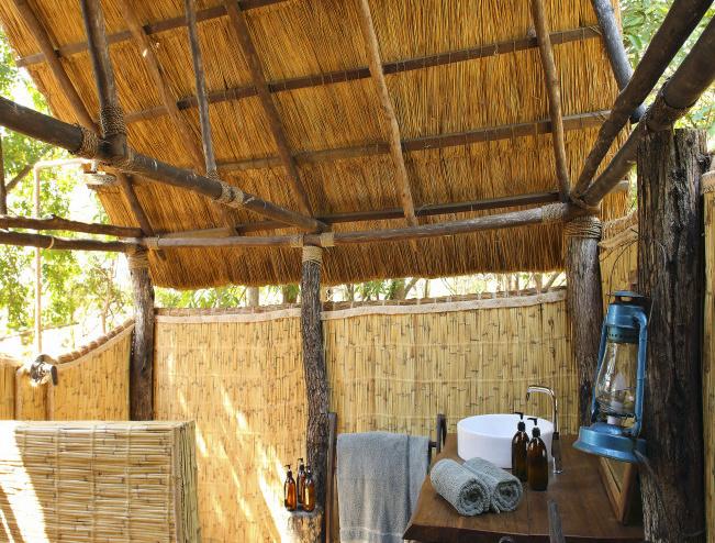 Kakuli Bush Camp: En-Suite-Badezimmer