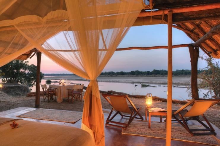Kakuli Bush Camp: Safarizelt bei Abendstimmung