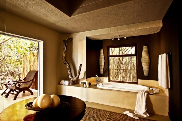 Badezimmer der Mandleve Suite in der Sabi Sabi Bush Lodge