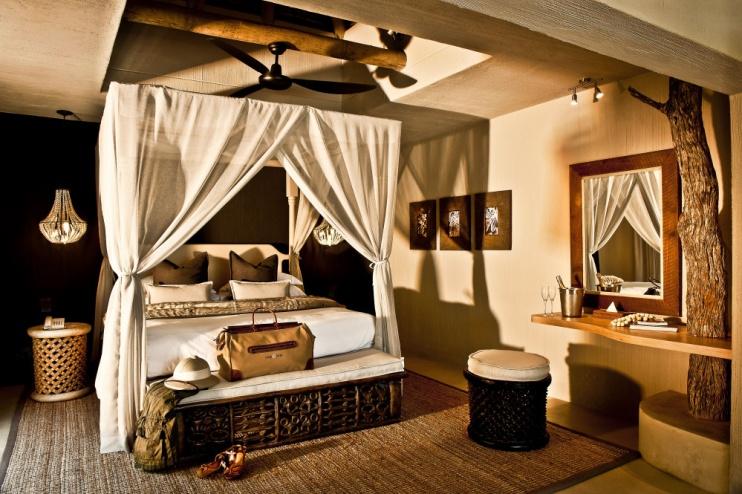 Schlafzimmer der Mandleve Suite in der Sabi Sabi Bush Lodge
