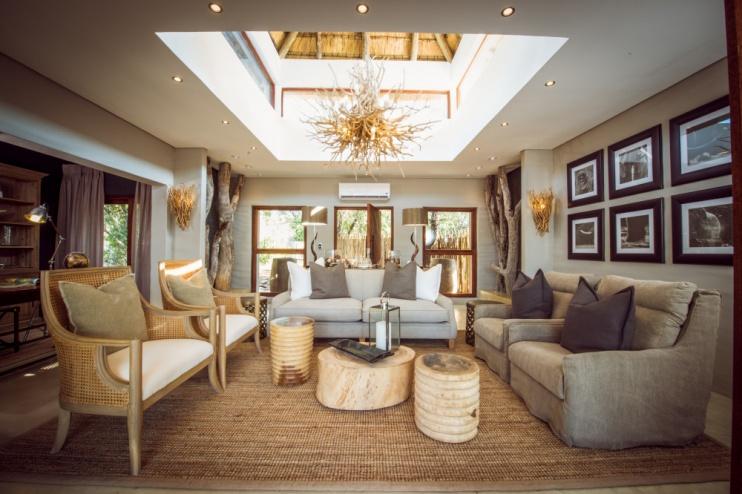 Lounge in der Luxury Villa der Sabi Sabi Bush Lodge