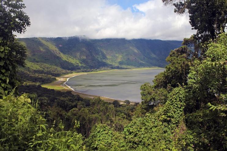 Blick auf den Empakaai-Kratersee