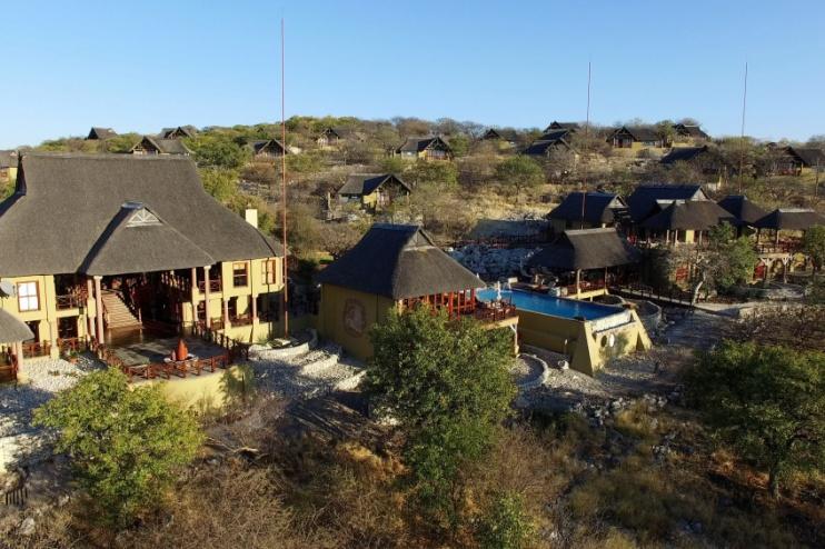 Blick von oben auf die Epacha Game Lodge