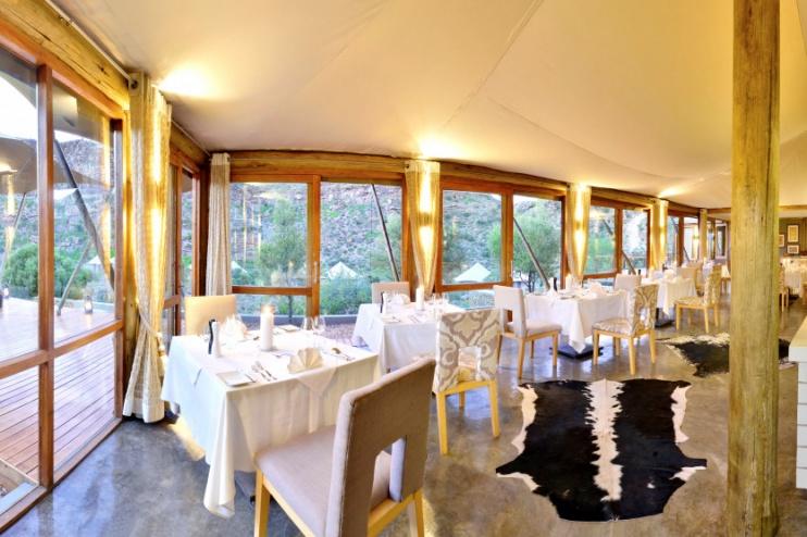 Das Restaurant in der Dwyka Tented Lodge im Sanbona Wildlife Res