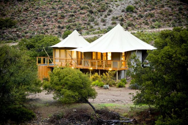 Die Dwyka Tented Lodge im Sanbona Wildlife Reserve