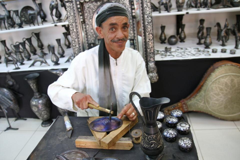 Viele Handwerker nutzen jahrhundertealte Techniken